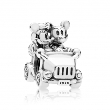 Disney - Mickey and Minnie Vintage Car Charm 797174