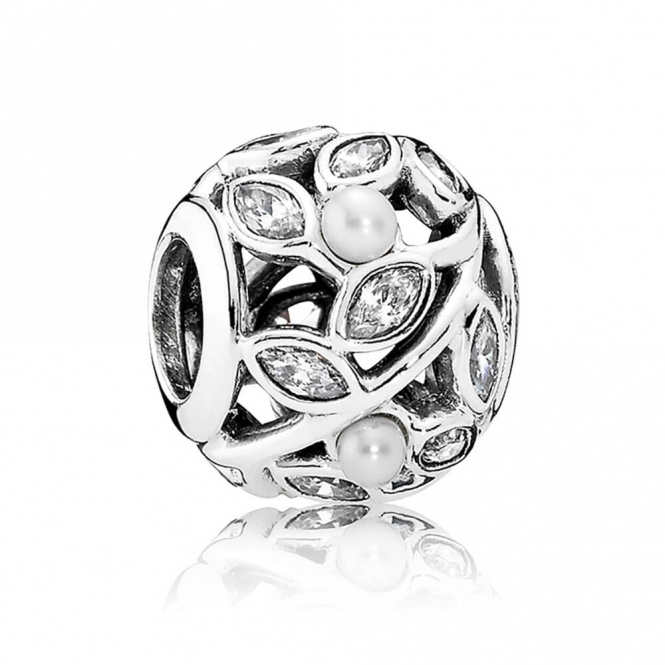 PANDORA Luminous Leaves Charm 791754P